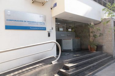 Prisión preventiva para exdirectivo municipal de Providencia acusado de malversación de caudales públicos.