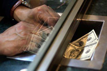 El dólar vuelve a caer, quiebra los difíciles $ 760 y regresa a terreno negativo frente al peso chileno en 2020