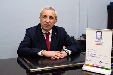 """Rector de la Universidad La República: """"No podemos centrar esta decisión de cierre sólo en un tema financiero"""""""