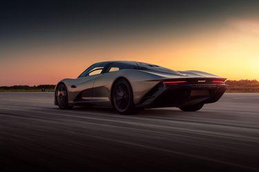 Vuelo a ras de suelo: el McLaren Speedtail pulveriza la marca de velocidad del McLaren F1