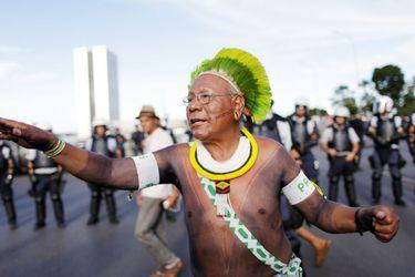 Muerte de icónico líder indígena brasileño desnuda drama de pueblos amazónicos por Covid-19