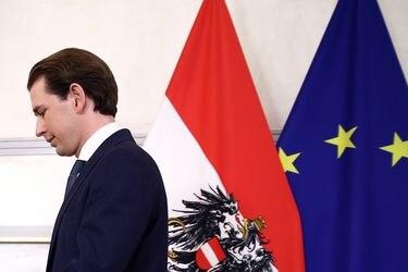 Tras ser acusado de corrupción: renuncia el canciller austríaco Sebastian Kurz