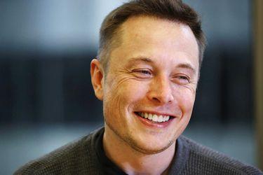 Elon Musk supera a Warren Buffett en ranking de multimillonarios