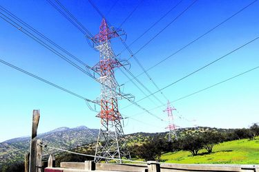 Dos consorcios compiten por millonario proyecto de transmisión que será clave para potenciar las energías renovables