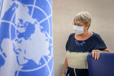 """Bachelet alerta sobre las amenazas medioambientales como el """"desafío más importante"""" para el ejercicio de los DD.HH."""