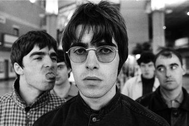"""Los agitados primeros días de Oasis, según Noel Gallagher: letras perdidas y una gira por EE.UU """"borrachos e idiotas"""""""