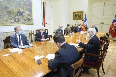 Piñera se reúne con grandes empresarios para coordinar estrategias de reactivación y creación de empleo