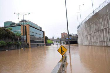 Autopista Costanera Norte inundada a la altura de Vivaceta