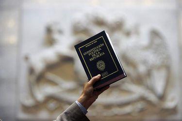 El lento y fragmentado trabajo opositor en torno a los contenidos para una nueva Constitución