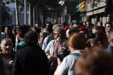 Comienza a regir ampliación de rebaja de las contribuciones para adultos mayores vulnerables económicamente
