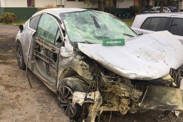Menor de 14 años que protagoniza accidente en automóvil robado salva de morir quemado