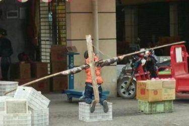 """Un niño fue """"crucificado"""" por no hacer sus tareas en China"""