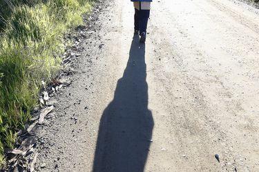 Maximiliano García - Niño recorre cinco kms para llegar a su escuela en Lloicura (Tomé) -10-min