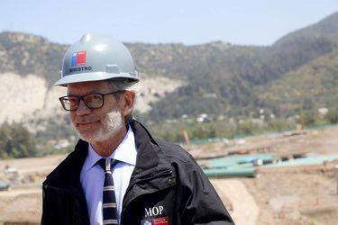 Autoridades visitan construccion de mega estanques de agua potable de Aguas Andinas en Pirque