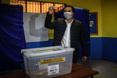 Óscar Crisóstomo (PS) se impone ante Jezer Sepúlveda (UDI) y se convierte en el primer Gobernador Regional de Ñuble