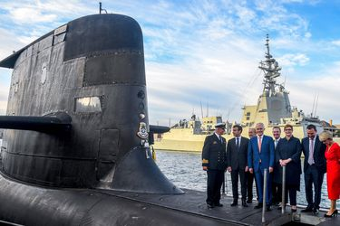 Francia califica el trato de submarinos entre EE.UU. y Australia como una traición