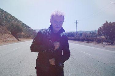 ¿Qué une a Billy Idol con George Harrison? Su nuevo disco tiene la respuesta