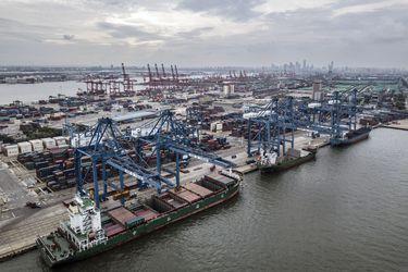 Comercio de China alcanza nuevos récords gracias a fuerte demanda de Estados Unidos y Europa