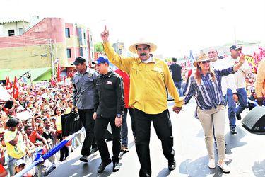 Venezuela's President Nicolas Maduro greets (41679083)