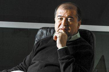 """Todas las vidas de Mauricio Correa, el emblemático director de TV que ahora salta al Festival de Viña: """"Creo que puedo ser un aporte"""""""