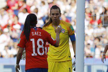 Christiane Endler y Camila Sáez, en el Mundial de Francia.