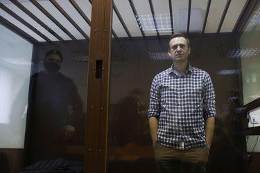"""El Kremlin ante sanciones de EE.UU. por caso Navalny: """"Otra injerencia abierta en nuestros asuntos internos que no vamos a tolerar"""""""