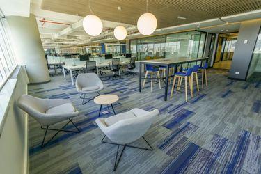 Parte el retorno: empresas abren oficinas y activan modelo híbrido