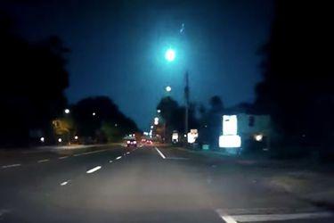 Registran luminoso meteorito en el cielo de Florida