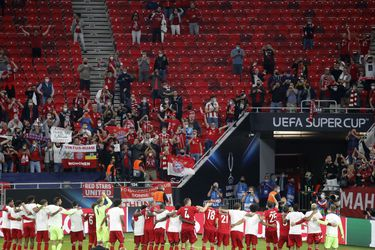 De plan piloto al partido del miedo: así fue el retorno de hinchas al fútbol europeo