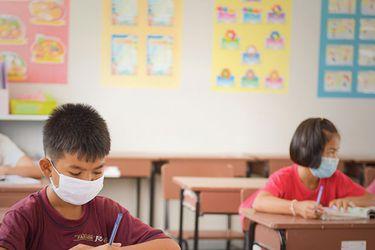 ¿Cerrar los colegios por el Covid? Sólo como último recurso, dice la OMS