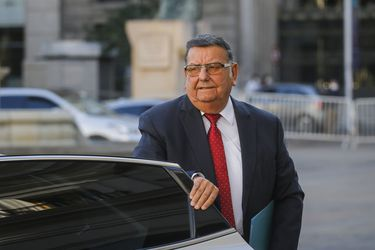 Senadores de oposición piden al gobierno autorizar el retiro del 10% de los fondos de las AFP