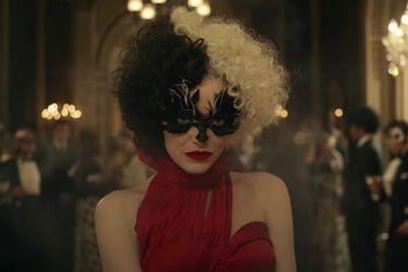 Emma Stone se transforma en el terror de los dálmatas en el primer tráiler de Cruella
