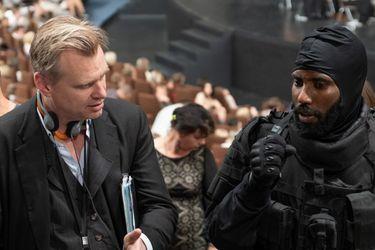 """Christopher Nolan promete """"llevar al público a un viaje que tal vez no hayan tenido antes"""" junto a las nuevas fotos de Tenet"""