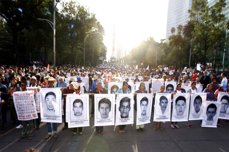 mexico-estudiantes-43-Ayotzinapa-1920-4 (1)