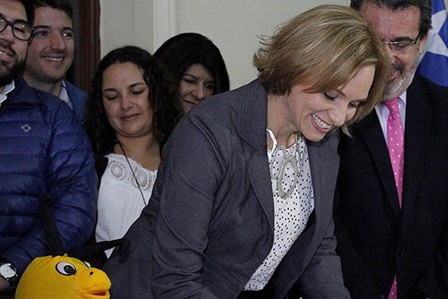 Carolina Goic inscribe su candidatura presidencial ante el Servel - La Tercera