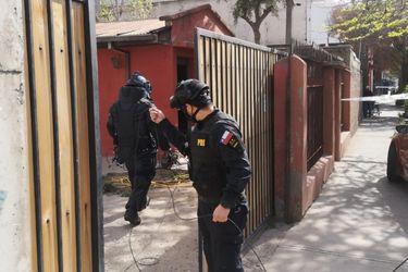 Se aisló un radio de 50 metros: Granada al interior de una casa generó amplio operativo de la brigada antiexplosivos de la PDI en La Cisterna
