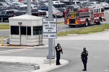 Un policía muerto y varios heridos tras tiroteo cerca del Pentágono