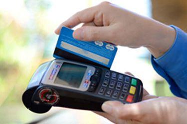 Mastercard mete presión para que en Chile también suba el monto permitido en pagos sin contacto con tarjeta