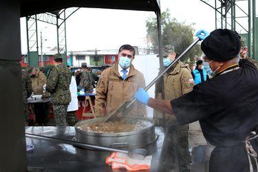 """""""Ranchos Solidarios"""": Ejército ha entregado más de 33 mil raciones de comida en barrios vulnerables durante la pandemia"""