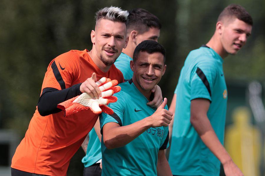 Alexis Sánchez, en la práctica del Inter
