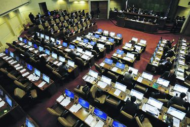 Votación de proyecto de 40 horas en la sala de la Cámara  queda para después de Fiestas Patrias