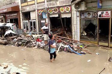 Las devastadoras imágenes que dejan las inundaciones en Turquía