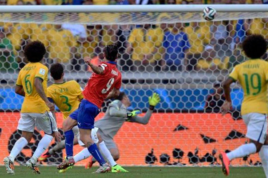 El palo de Pinilla: a tres años del día más triste del fútbol ...