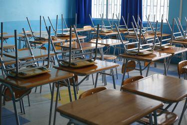 """Polémica por turnos éticos en colegios: Profesores dicen que se les cita para labores administrativas y Mineduc apela al """"compromiso"""" de docentes"""""""