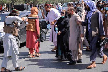 Los talibanes presentan un nuevo gobierno afgano
