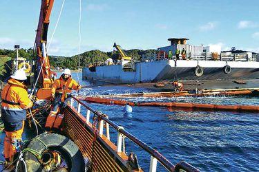 Todo listo en Chiloé para reflotar barco salmonero