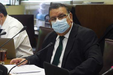 Mañalich informa que nuevo análisis al primer PCR de senador Quinteros dio negativo a coronavirus