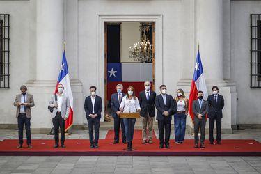 Piñera pide plazo de tres semanas para sellar acuerdo transversal