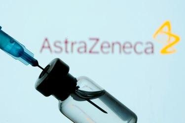 AstraZeneca desestima la información que pone en duda la eficacia de su vacuna en personas mayores.