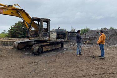 Registran nuevo ataque incendiario en La Araucanía: Dos máquinas excavadoras fueron quemadas en Padre Las Casas